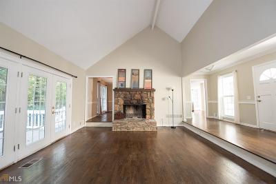Roswell Single Family Home For Sale: 4859 Post Oak Tritt