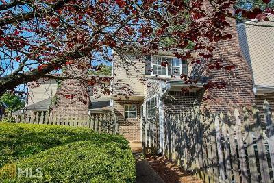 Marietta, Smyrna Condo/Townhouse For Sale: 541 Picketts Bend Cir