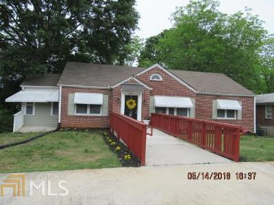 Lithonia Single Family Home For Sale: 2580 Wiggins St