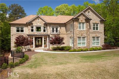Roswell Single Family Home For Sale: 1555 Northcliff Trce