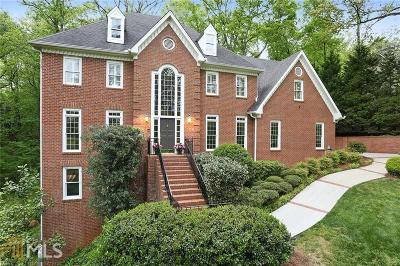 Sandy Springs Single Family Home For Sale: 20 Cliffside Xing