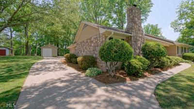 Single Family Home For Sale: 275 Dania Dr