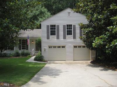 Roswell Single Family Home For Sale: 230 Barrington Dr E