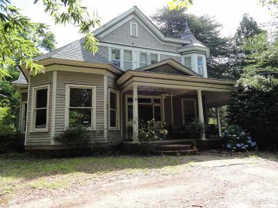 Locust Grove Single Family Home For Sale: 435 Jackson St