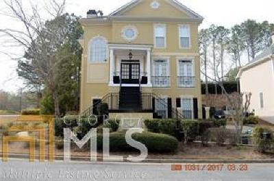 Johns Creek Single Family Home For Sale: 300 Rainbow Row