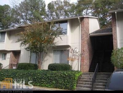 Marietta, Smyrna Condo/Townhouse For Sale: 2248 Runnymead Dr