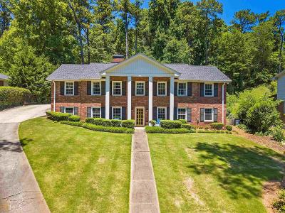 Fulton County Single Family Home For Sale: 325 Lake Crest Dr