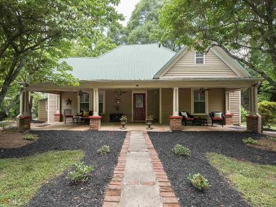 Jefferson Single Family Home For Sale: 60 Borders St