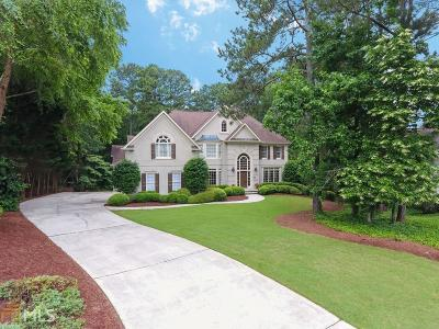 Roswell Single Family Home For Sale: 8825 Torrington Dr