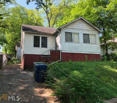 Fulton County Single Family Home For Sale: 1638 Martin Luther King Jr Dr