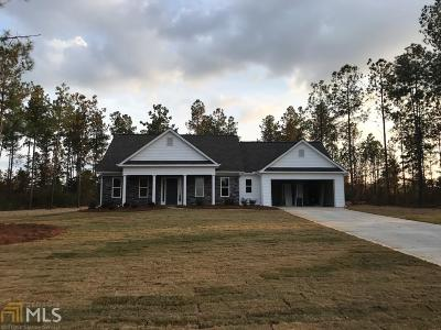 Barnesville Single Family Home For Sale: Cole Forest Blvd #121