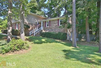 Conyers Single Family Home For Sale: 582 Clubhouse Dr
