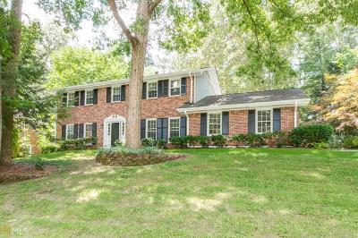 Lilburn Single Family Home For Sale: 685 Hickory Ridge Rd