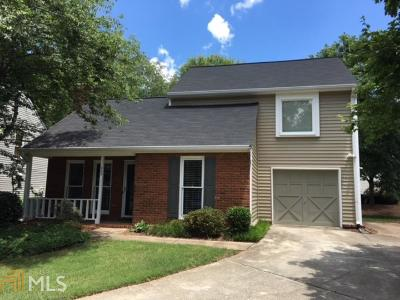 Fulton County Single Family Home For Sale: 303 Roswell Green Ln