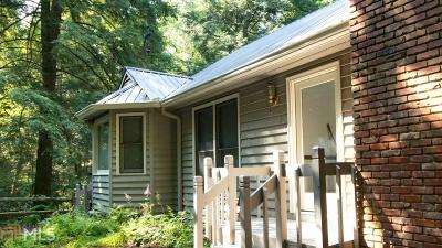 Clarkesville Single Family Home For Sale: 1102 Soque Wilderness Rd