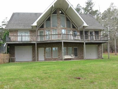 Single Family Home For Sale: 1111 White Oak