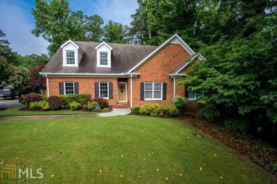 Marietta Single Family Home For Sale: 3161 Garden Lane Dr