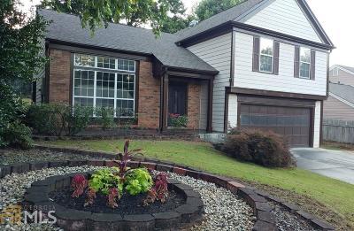 Johns Creek Single Family Home For Sale: 10830 Mortons Cir
