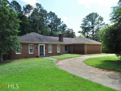Conyers Single Family Home Under Contract: 1805 Flat Shoals Rd
