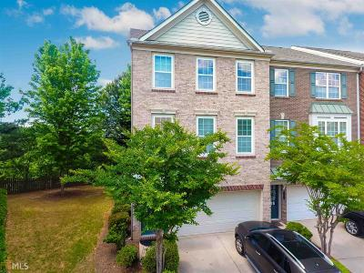 Norcross Condo/Townhouse Under Contract: 3257 Greenwood Oak Dr