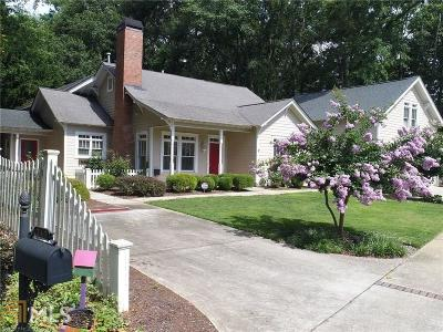 Historic Marietta Single Family Home For Sale: 247 Chicopee Dr