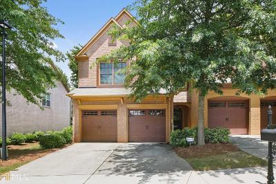 Condo/Townhouse Under Contract: 4987 Berkeley Oak Dr