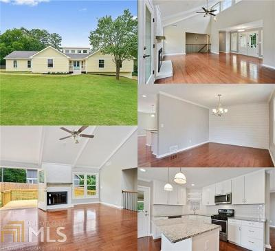 Marietta Single Family Home For Sale: 581 Creekwood Dr