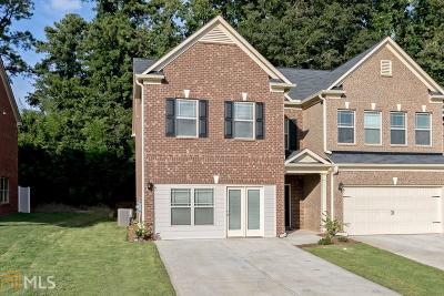 Dallas Condo/Townhouse For Sale: 402 Crescent Woode Dr #293