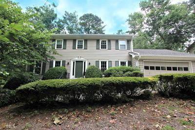 Lilburn Single Family Home For Sale: 4317 Cedar Wood Dr