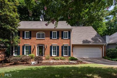 Roswell Single Family Home For Sale: 440 Lofty Ln