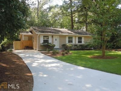 Clarkston Single Family Home Under Contract: 910 Verona Dr