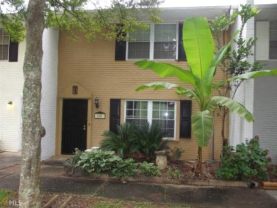 Conyers Condo/Townhouse For Sale: 1096 Eastview Cir