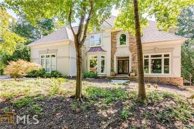 Suwanee Single Family Home For Sale: 1082 Laurel Grove Ct