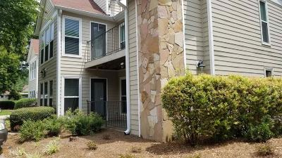 Roswell Condo/Townhouse For Sale: 2208 Lake Pointe Cir