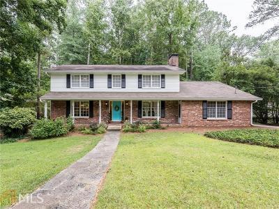 Atlanta Single Family Home Sold: 2017 Castleway Ln