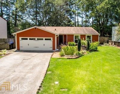 Roswell Single Family Home For Sale: 1135 Worthington Hills