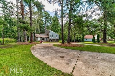 Woodstock Single Family Home For Sale: 4221 N Arnold Mill Rd
