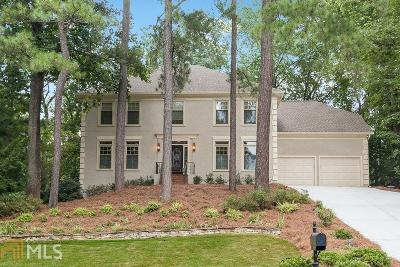 Roswell Single Family Home For Sale: 10255 Crescent Ridge Dr