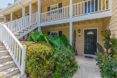 Marietta, Smyrna Condo/Townhouse For Sale: 4000 Riverlook Pkwy #206