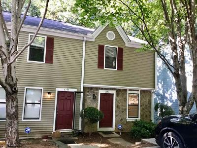 Peachtree Corners Condo/Townhouse Contingent With Kickout: 6591 Autumn Trace Dr