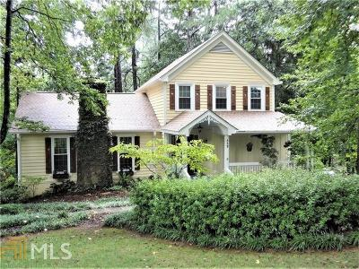 Roswell Single Family Home For Sale: 332 Sassafras Rd
