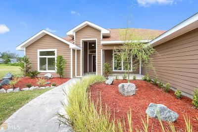 Kingsland Single Family Home New: 516 Hide Away Lake Loop