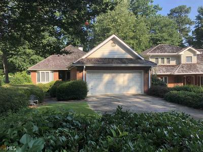 Roswell Single Family Home Back On Market: 2560 Camden Glen Ct