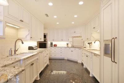 Park Place On Peachtree Condo/Townhouse For Sale: 2660 Peachtree Rd #37EF