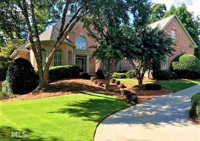 Suwanee Single Family Home For Sale: 6045 Laurel Oak Dr