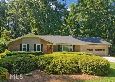 Smyrna Single Family Home Under Contract: 1330 Hayes Dr