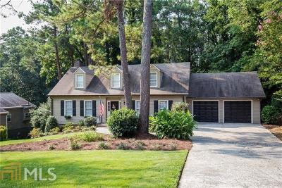 Marietta Single Family Home Under Contract: 3430 Pebble Hill Dr