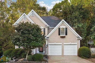 Alpharetta Single Family Home For Sale: 585 Oak Alley Way