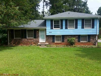 Single Family Home Sold: 2600 Crabapple Ln