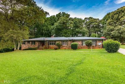 Monroe, Social Circle, Loganville Single Family Home Under Contract: 210 Parker Dr